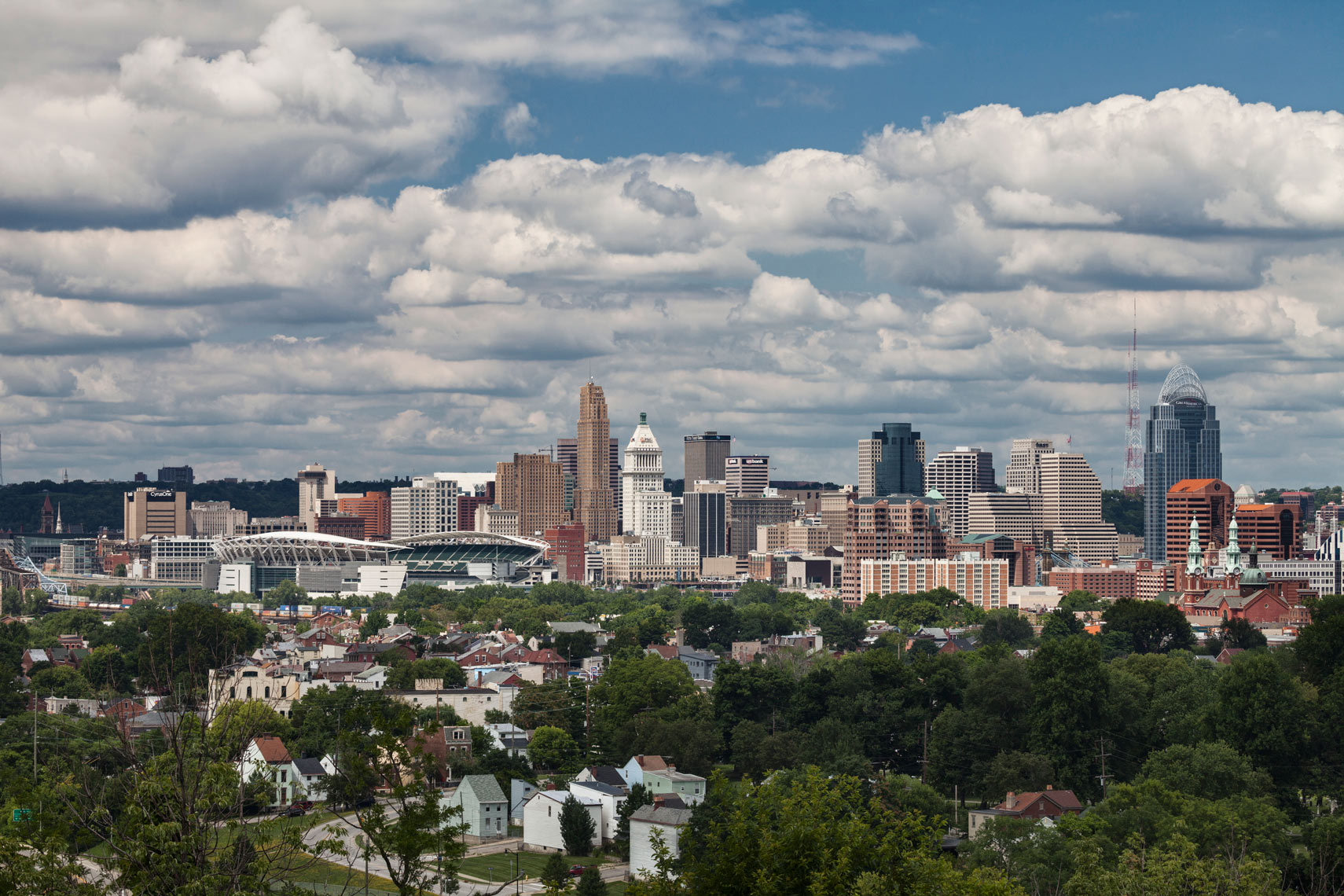 Cincinnati_Skyline_Mt_Hope_Day